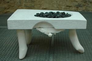 Kavaró, márvány, fa, kavics75x40x50 cm